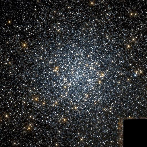1024px-NGC_104_Hubble_WikiSky.jpg