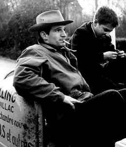 """פרנסואה טריפו וז'אן פייר לאו הצעיר שגילם את דמותו של אנטואן דואנל בסרטיו של טריפו החל מ""""ארבע מאות המלקות"""""""